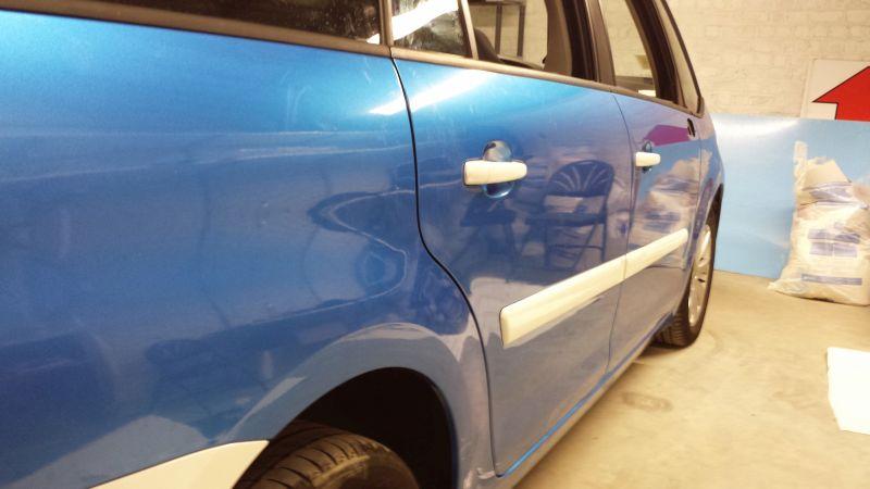 Car wrapping – zmiana koloru auta